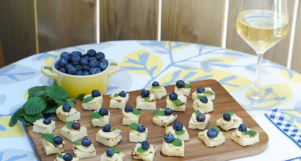Halloumi Hummus Bites with Blueberry and Mint
