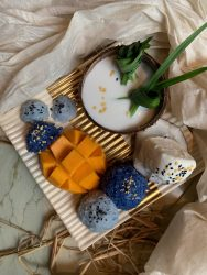 mango and blue sticky rice