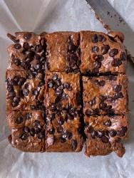 fudgy eggless crinkle brownies