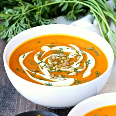 Immunity-Boosting Carrot Turmeric Soup | @foodiephysician