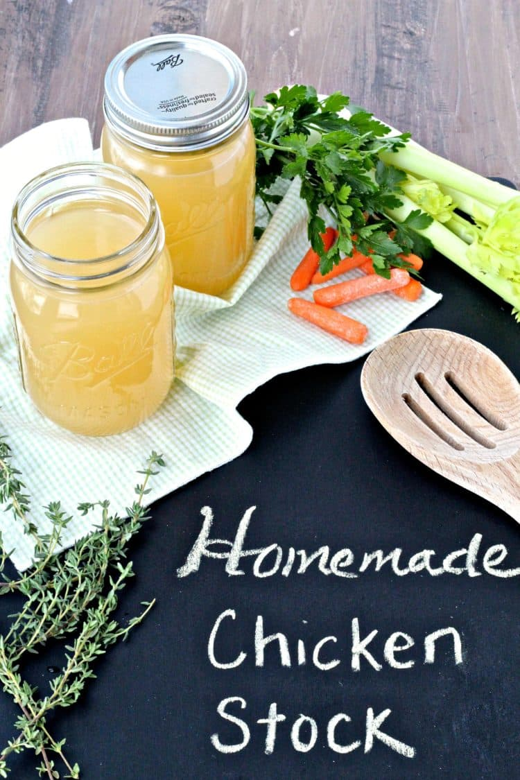 Homemade Chicken Stock | @foodiephysician