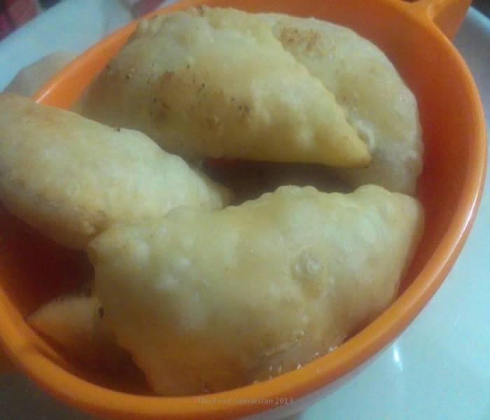 Gujia(Half Moon shaped stuffed pastry).