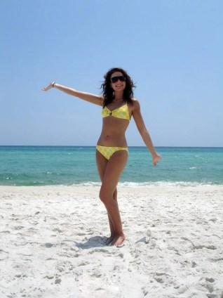 yellow-polka-dot-bikini-3-1432383