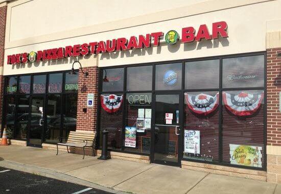 Fox's Pizza Den restaurant