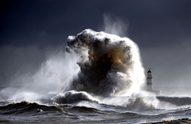 Raging sea's Seaham 2