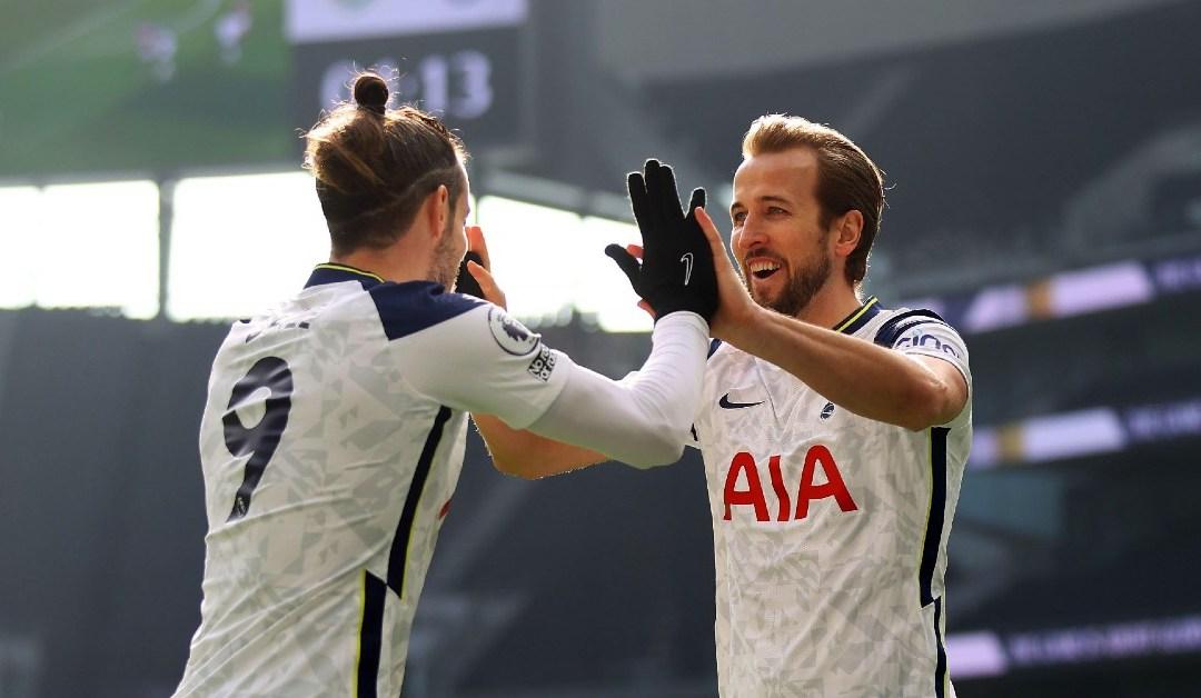 Harry Kane embracing Gareth Bale
