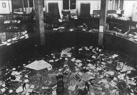 Interior of the Banca Nazionale dell'Agricoltura in Piazza Fontana after the explosion carried out by neo-fascist, 1969 (Source: unknown author / Wikipedia)