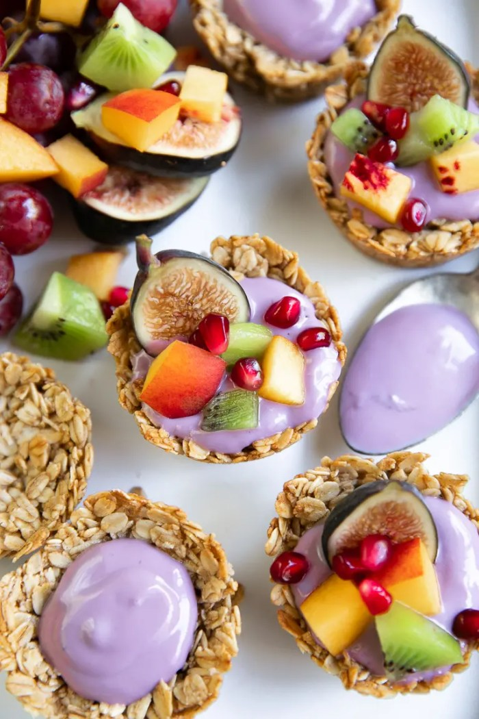 Baked oatmeal cups with yogurt and fruit