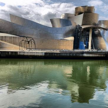 El Guggenheim de Bilbao (y la arana)