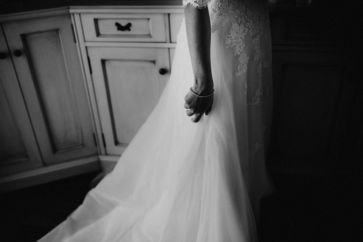 sara-and-leo-suites-alba-destination-wedding-00006
