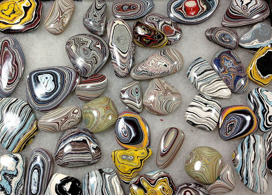 fordite-detroit-agate-car-paint-stones