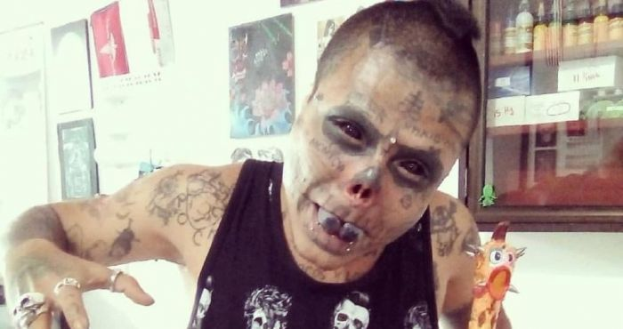 "Colombian man transforms himself into a ""living skull"""