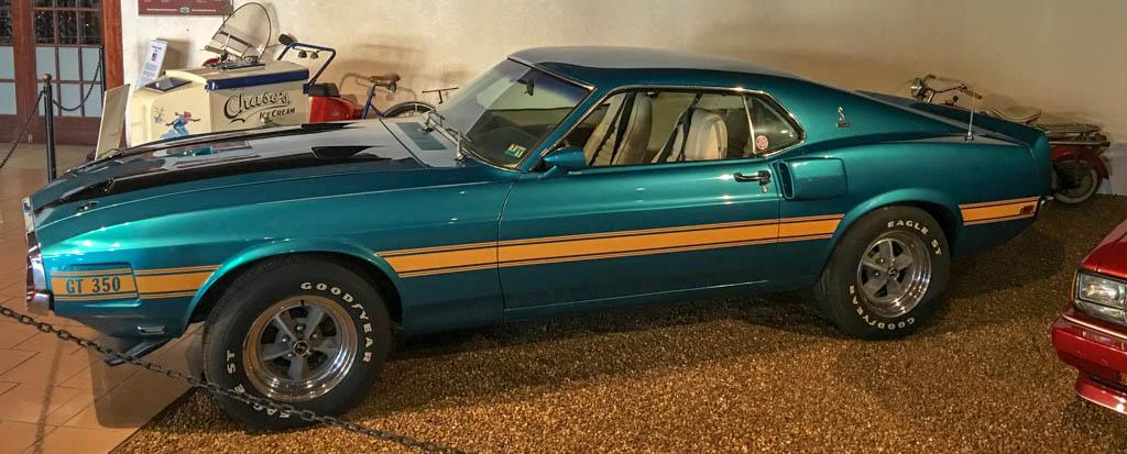 Ford Mustang Cobra GT-250