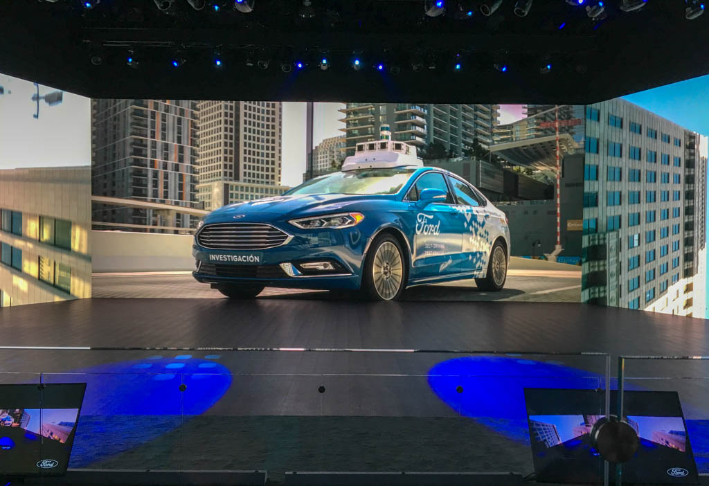 Ford Stage Walls Make Display Spaces