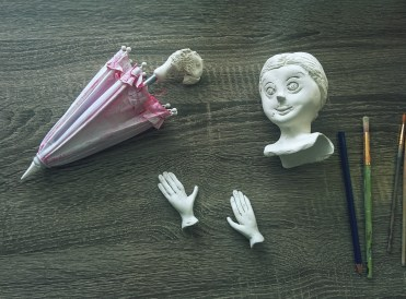 sculpting a mary poppins art doll from paperclay