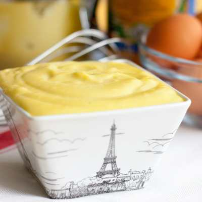 Homemade French Mayonnaise for beginner chefs