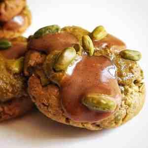 Cookies pistache, praliné et caramel vanille
