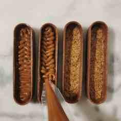 montage de la tartelette choco-noisette : le caramel