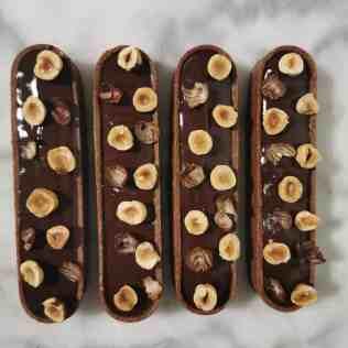 montage de la tartelette choco-noisette : la déco