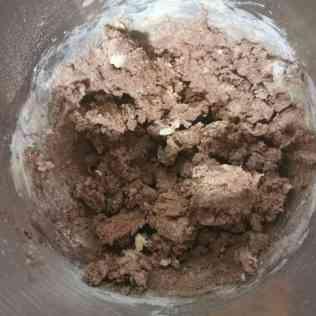 pâte sucrée choco : ajout farince et cacao