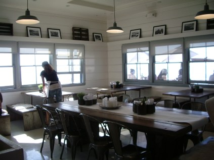 Inside the Malibu Farm Pier Cafe_1