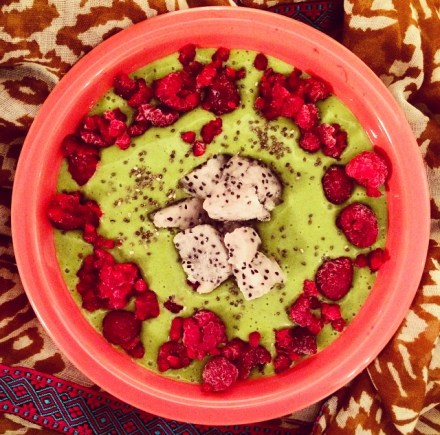 Dragonfruit Smoothie Bowl Recipe