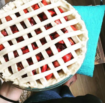 Easy Vegan Strawberry Pie