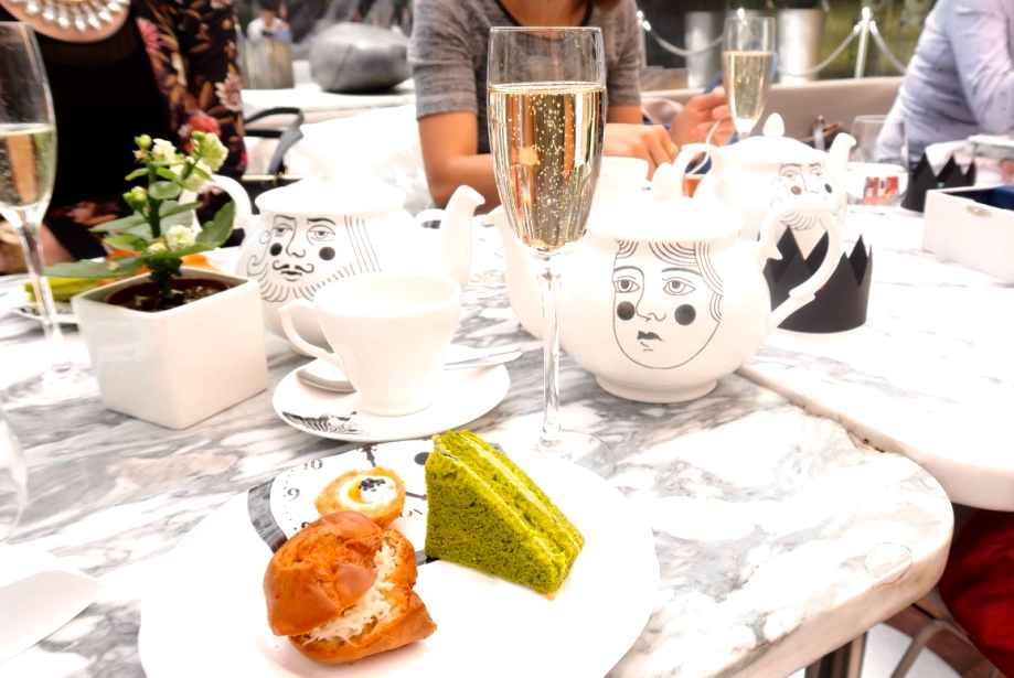 The-Frilly-Diaries-Afternoon-tea-London-Sanderson-hotel-bubble-champagne