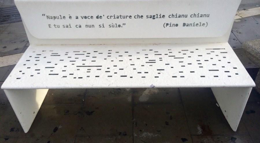 panchina Pino Daniele