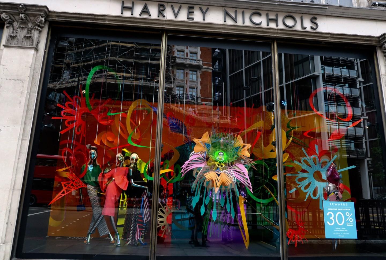 Harvey Nichols Knightbridge Londra vetrina