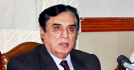 Px09-050 QUETTA: Jun09 – Justice (Retd) Javed Iqbal speaks during a press conference in Quetta. ONLINE PHOTO by Ahmad Kakar