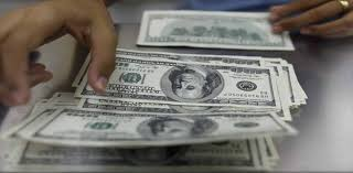 Dollar hits record Rs125 in open market