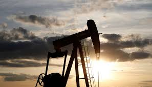 Oil prices drop on worries over slowing economic growth