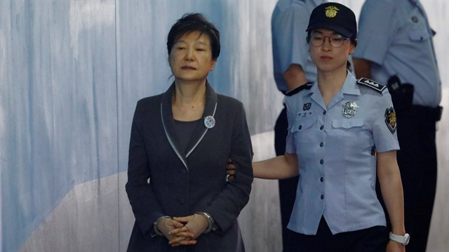 Ousted S. Korean president Park gets more jail time