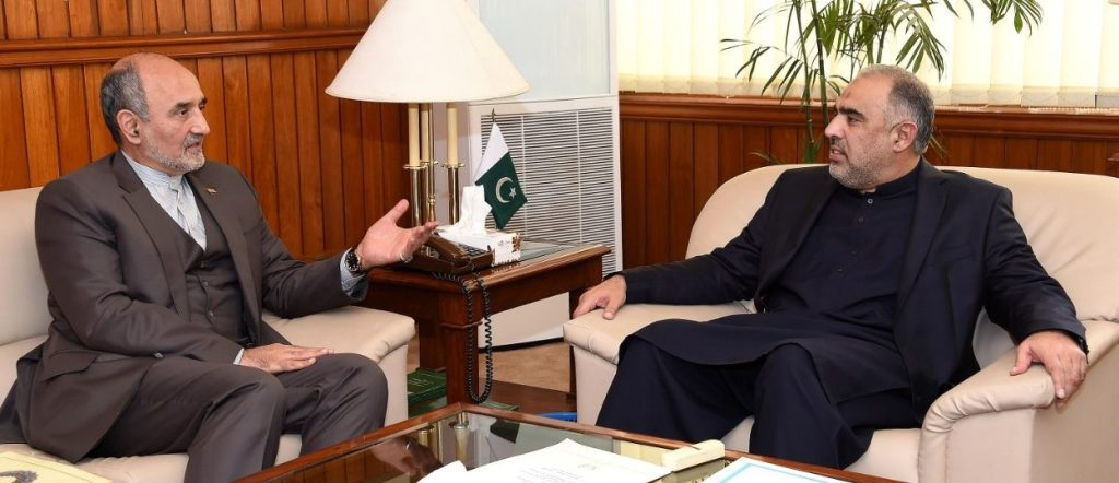 Qaiser stresses need for effort to confront problems faced by Ummah