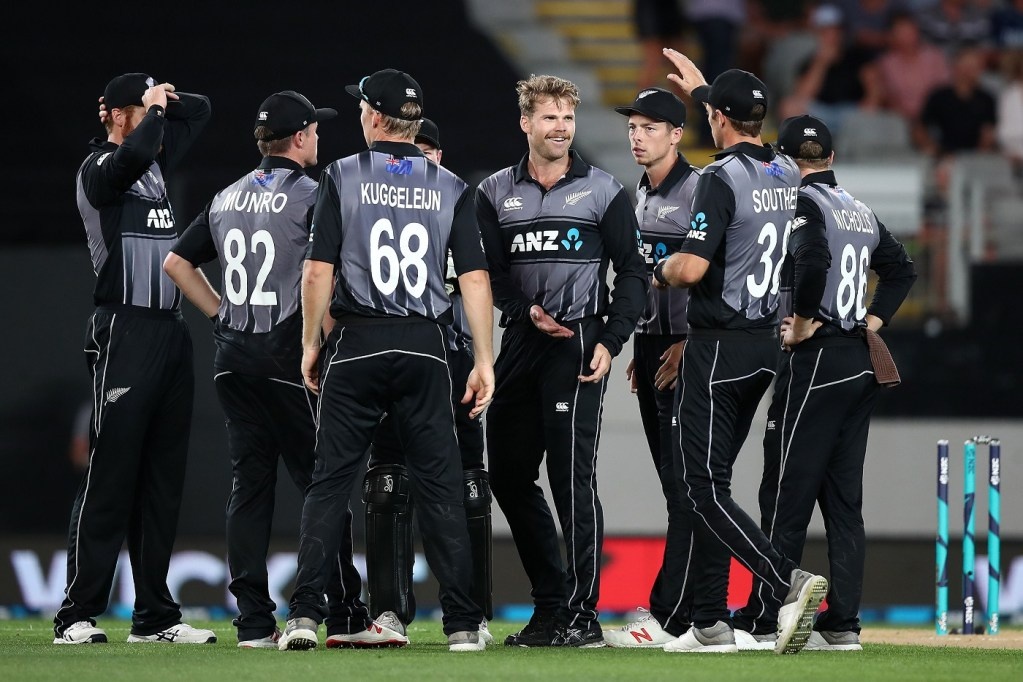 New Zealand's players celebrate taking a wicket during the twenty20 international cricket match between New Zealand and Sri Lanka at Eden Park in Auckland on January 11, 2019. (Photo by Fiona Goodall / AFP)        (Photo credit should read FIONA GOODALL/AFP/Getty Images)
