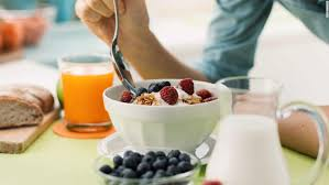 Eating breakfast may not help in losing weight