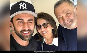 Rishi Kapoor declares he is 'Cancer-Free', to undergo bone marrow transplant