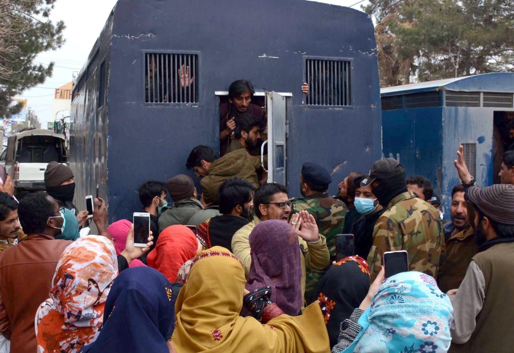 QUETTA: Police arrest Balon medical College students during protest in front of Balochistan assembly. INP PHOTO by Ahmed Bhatti