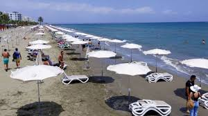 Cyprus to pay holiday costs of coronavirus infected tourists