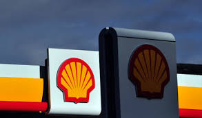 Shell boss weighs up moving HQs to Britain