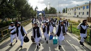 Afghanistan releases hundreds of Taliban prisoners to bring peace talks closer