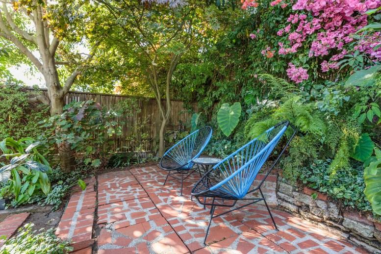62 Buena Vista Terrace: Hang out spot