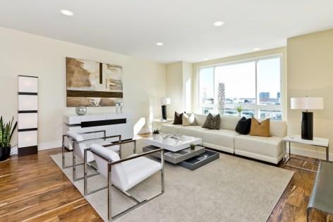 960 Harrison Living Area