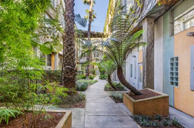 04-461-2nd-T660-courtyard-mls