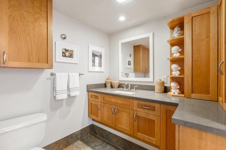 1011 23rd Street Half Bath