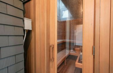 Clarendon-Sauna