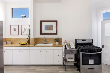 14-4758-17th-kitchen-high-res