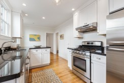652 44th Ave Modern Kitchen