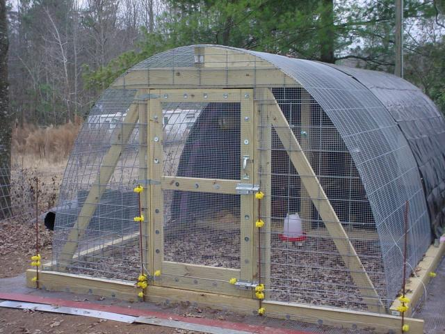 55 diy chicken coop plans for free frugal chicken for Poultry house plans for 100 chickens